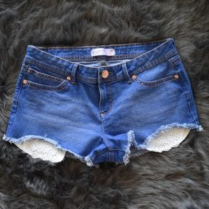 Blue Jean Shorts with Lace Detailed Pockets